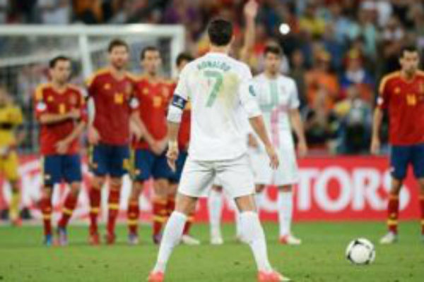 Ronaldo Optimis Portugal Bisa Kalahkan Spanyol